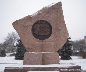 Памятник декабристам в Василькове