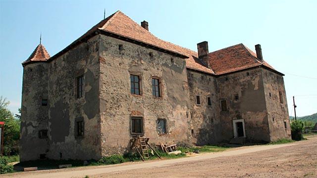 Замок-крепость Сент-Миклош на Закарпатьи, с. Чинадиево