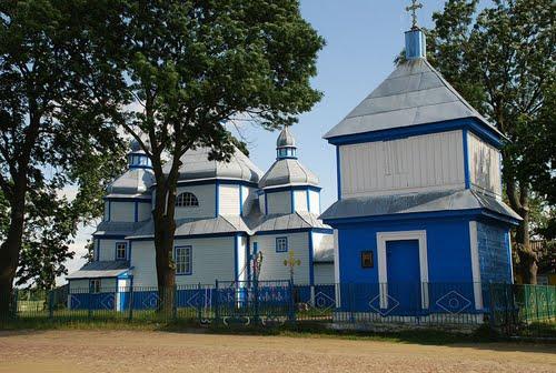 Деревянная церковь - достопримечательность с. Краевщина Житомирской области