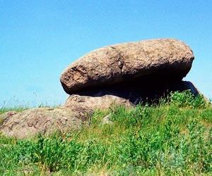 Каменный гриб - достопримечательность г. Новоград-Волынский