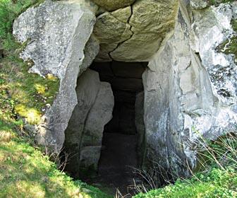Пещера - достопримечательность с. Подкамень