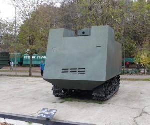 Танк НИ-1 - обшитый корабельной бронёй трактор
