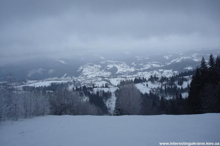 Вид на Славское с горі Тростян