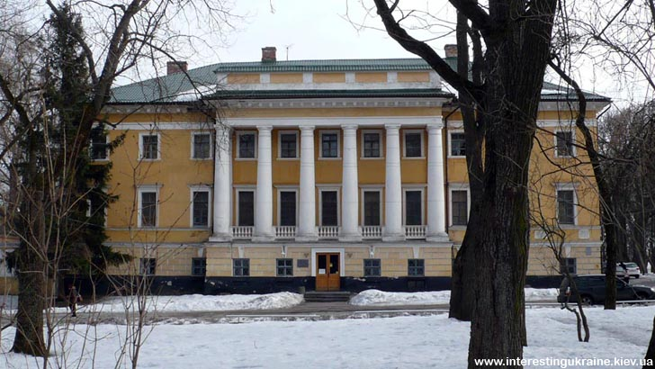 Черниговский исторический музей - достопримечательность Чернигова