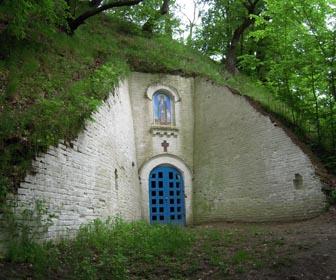 Антониевы пещеры - достопримечательность Любеча