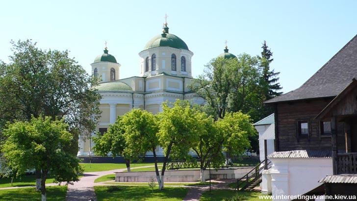 Новгород-Северский - достопримечательность Черниговской области