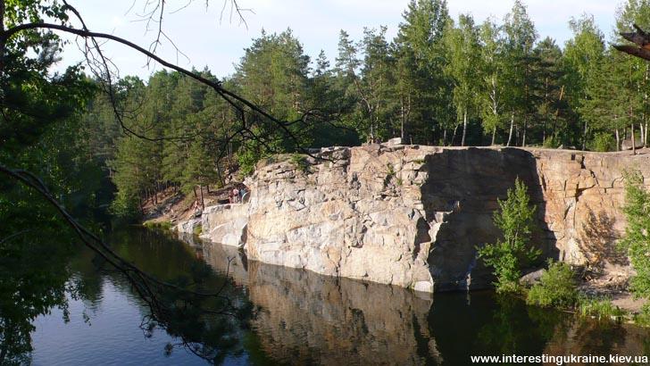 Живописный карьер - достопримечательность Коростышева