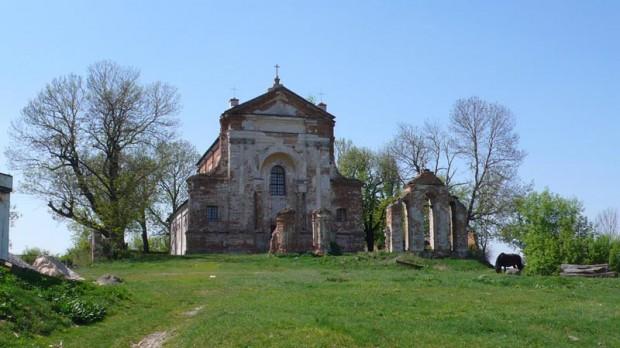 Старинный костёл в Старой Котельне