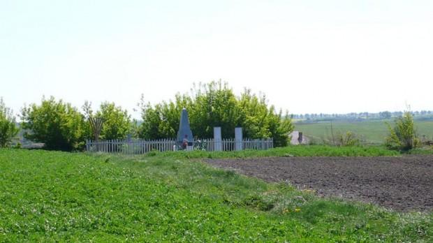 Братская могила невинно убиенных евреев