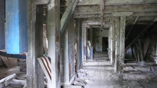Внутри мельницы в с. Паволочь