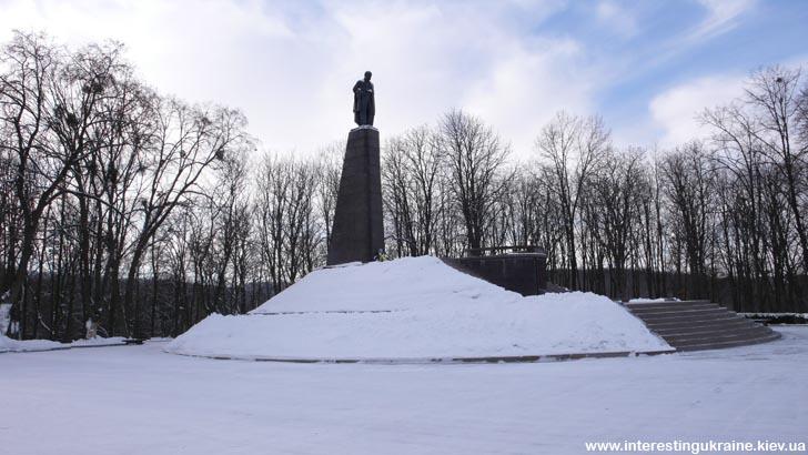 Памятник Шевченко - достопримечательность Канева