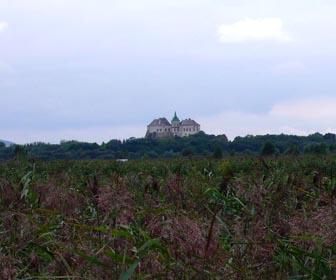 Олесский замок - достопримечательность олеско Львовской области