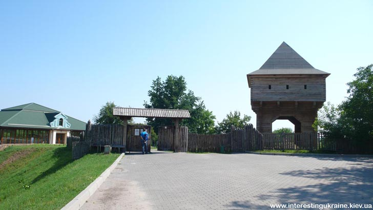 Замчище - достопримечательность Субботова