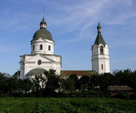 Трехсвятительская церковь - достопримечательность с. Лемеши