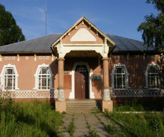 Здание земской начальной школы - достопримечательность с. Лемеши