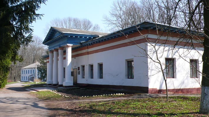 Здание музея в с. Берёзовая Рудка