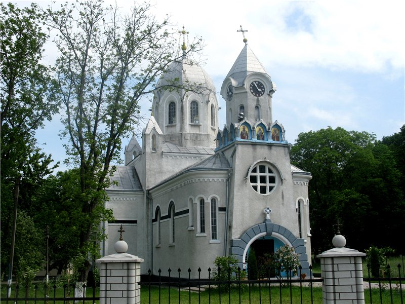 Церковь 1906 г. - достопримечательность с. Редковцы