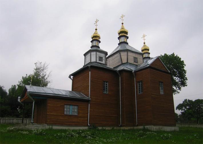 Достопримечательность с. Антоновка Киевской области - деревянная церковь