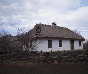 Музей-усадьба И. Козловского в Марьяновке