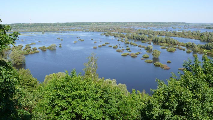 Десна в Новгороде-Северском разливается зачётно...