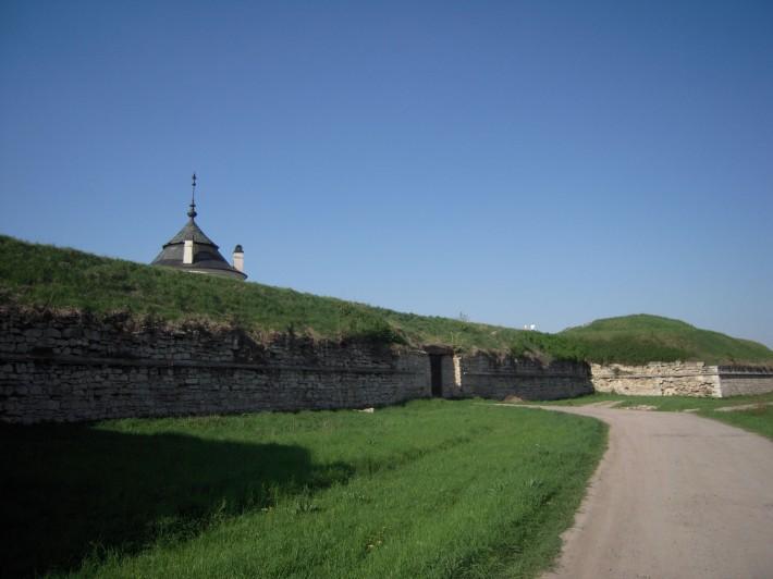 Золочевский замок с наружной стороны