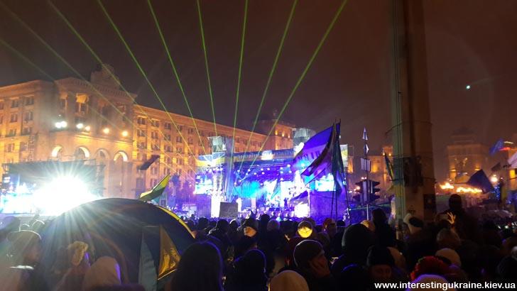 Новый Год - 2014  на Майдане Независимости в Киеве