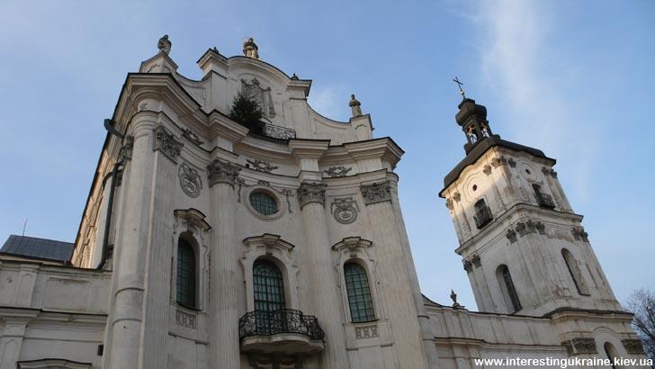 Кафедральный Мариинский костел в монастыре