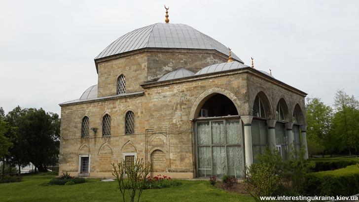Бывшая мечеть Измаила, сейчас здесь - диорама