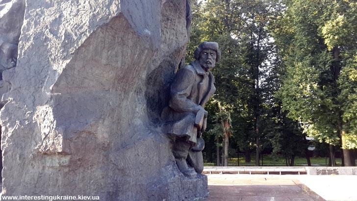 Фрагмент памятника Героям Малинского подполья