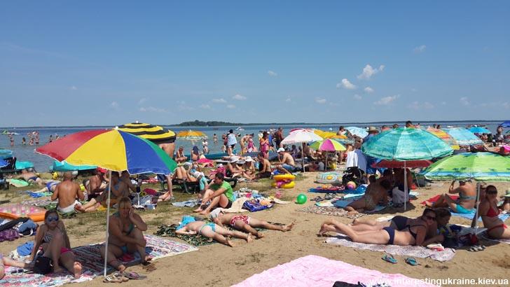 Шацкие озёра. На пляже у озера Свитязь