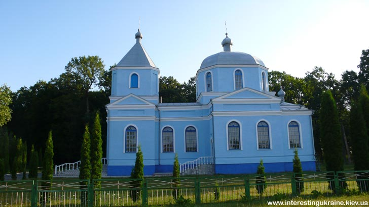 Церковь - достопримечательность Антоновки Ровенской области