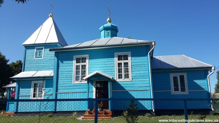 Деревянная церковь - достопримечательность Машева