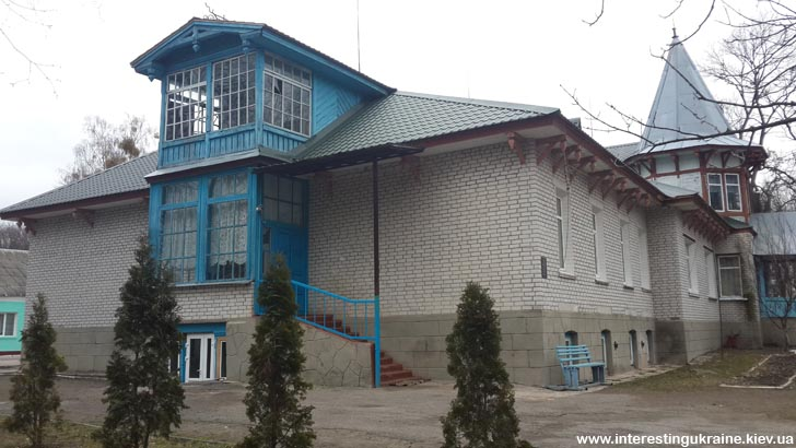 Дом-усадьба в Кмитове