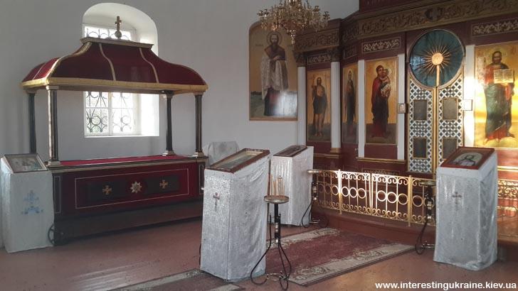 Внутри мавзолея генерала И. Инзова в Болграде