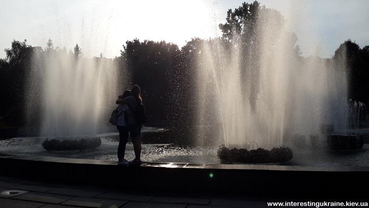 Фонтаны в центре Ровно