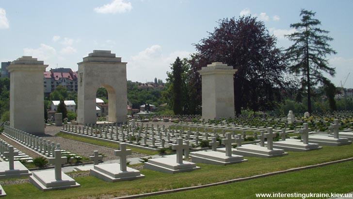 Мемориал Орлят - достопримечательность Львова