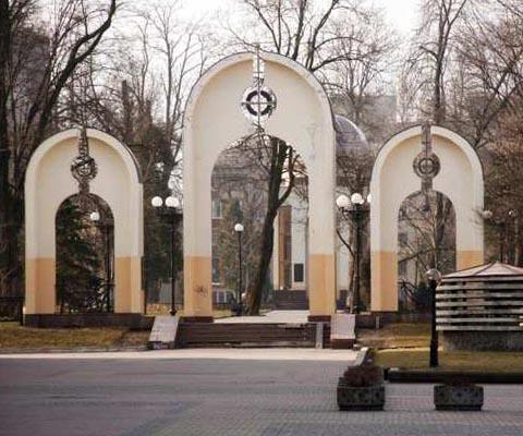 Мемориальный сквер – достопримечательность Ивано-Франковска.