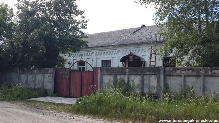 Спасо-Преображенский монастырь - достопримечательность Ржищева