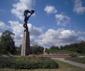 Достопримечательности Балыко-Щучинки. Мемориал героям Букринского плацдарма