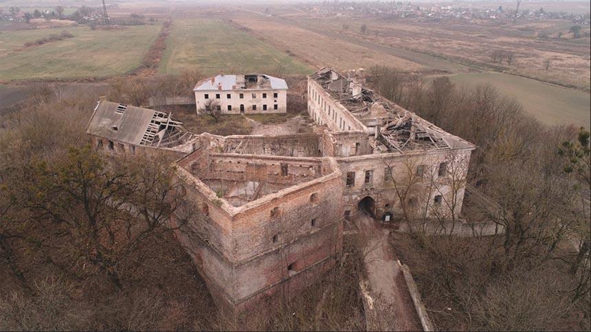 Клеванский замок - достопримечательность Клеваня