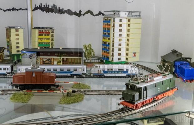 Железная дорога в Государственном музее игрушки Киев