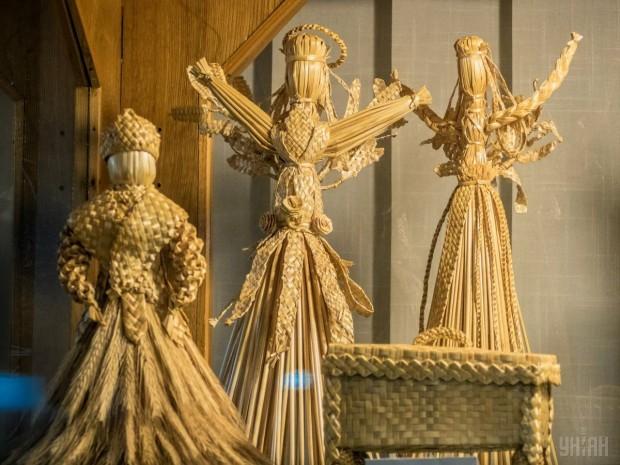 Игрушки из соломы в киевском Государственном музее игрушки