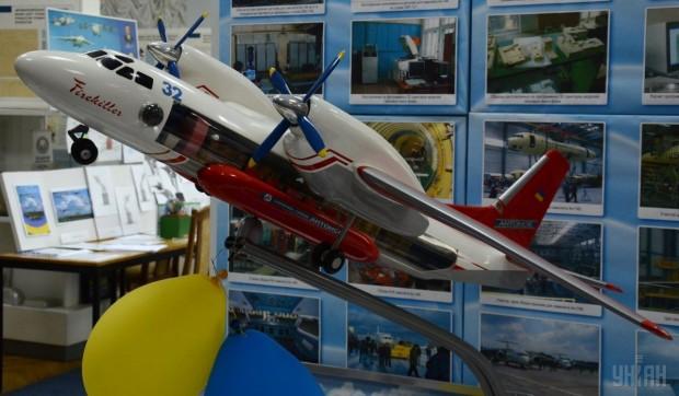 Модель самолета Ан-32 в музее серийного завода Антонов, г. Киев